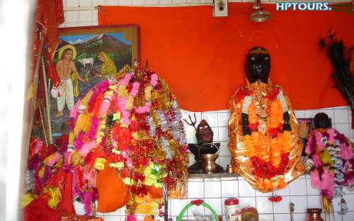 Baba Kamlahiya and Baba Balaknath arrived on the Dev Bhoomi of Himachal Pradesh from Jammu